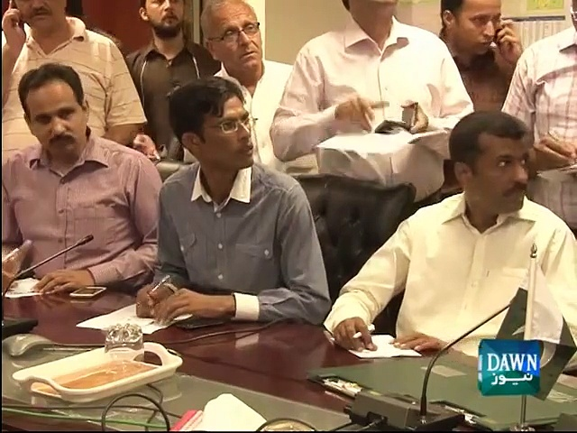 Pervez Rashid disagrees Asif Zardari's allegation calmly