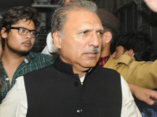 Arif Alvi tells about rude attitude he faced in India