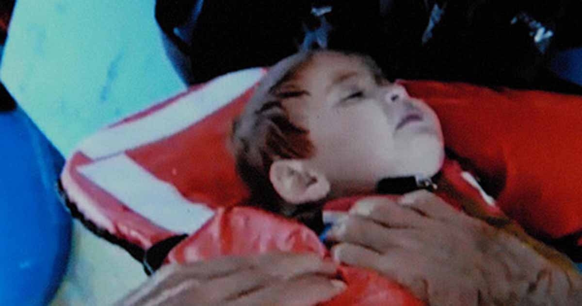 Syrian toddler rescued from sea