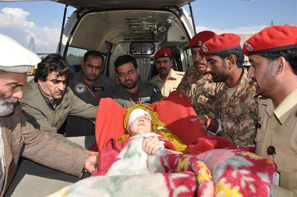 Pakistan Army doing relief activities