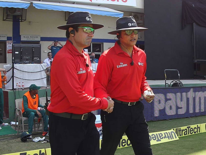 Won't allow Pakistan Umpire Aleem Dar to stand in Mumbai ODI: threatens Shiv Sena