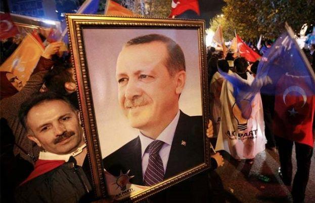 Erdogan's AKP regains majority in parliament