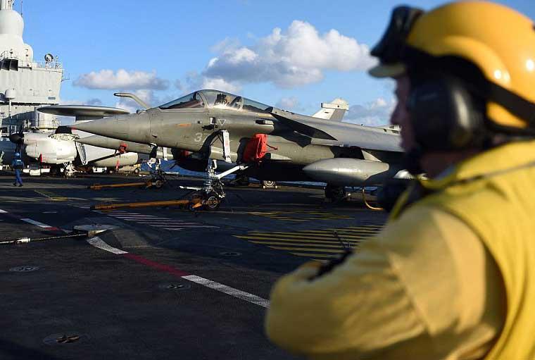 French warplanes attacking ISIS