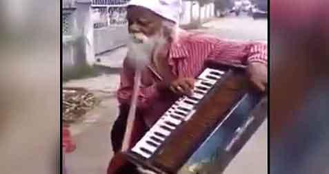 Old Man Singing, Hilarious!