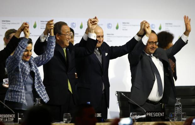 World agrees to climate change deal