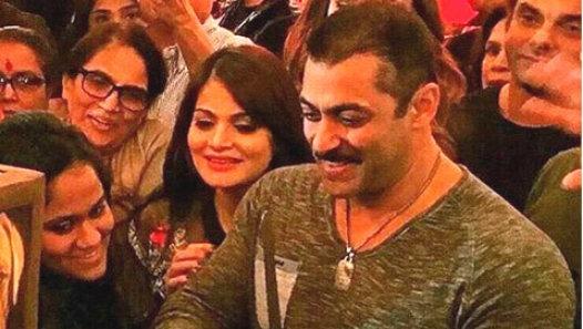 Inside Pics: Salman Khan's 50th Birthday Bash!