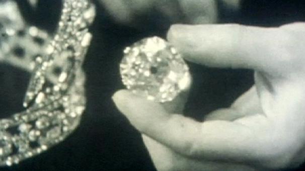 Pakistani lawyer asks Elizabeth II to return Koh-i-Noor diamond