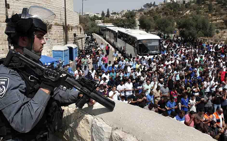Israelis ATTACKS Al-Aqsa Mosque