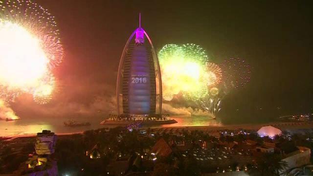 Dubai Dazzling Fireworks 2016