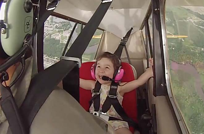 Dad's Takes 4-year-Old Daughter For First Aerobatic Flight