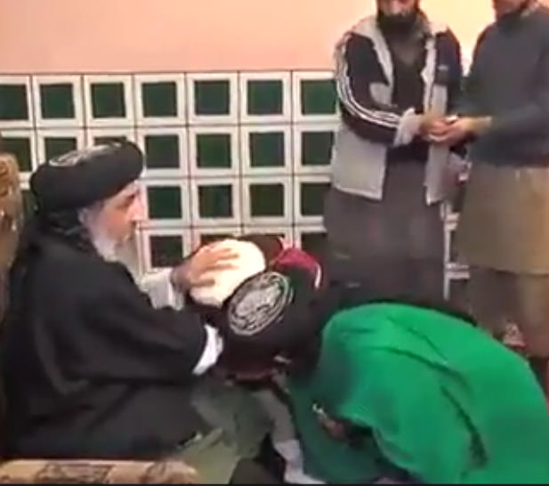 Fake Faith Healer loots People