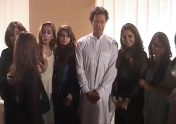 Girls gone crazy to meet Imran Khan