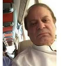 Nawaz Sharif Taking Selfies With Air-hostess