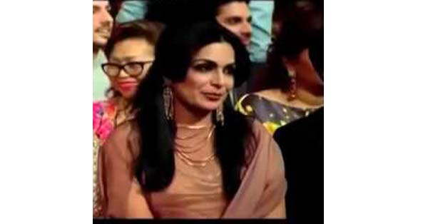 Ayesha Omer And Comedian Making Fun Of Meera