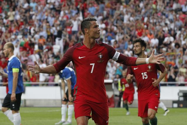 Ronaldo Stars in 7 – 0 Thrashing