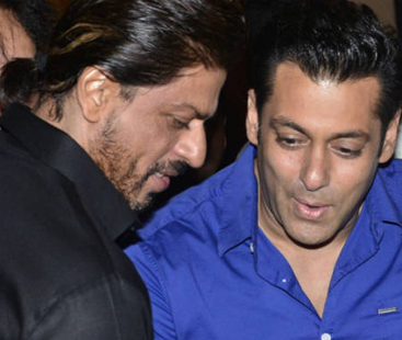 Salman Khan Invites Shahrukh Khan For A Party