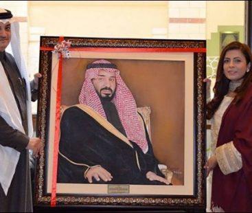 Pakistani artist presents Crown Prince Mohammad bin Salman's portrait to KSA's ambassador