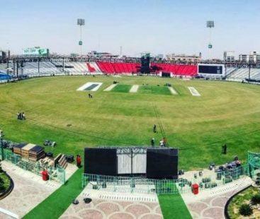 PSL 4 in pictures: Cricket fever in Karachi