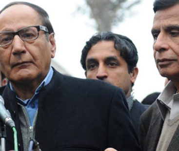 PML-Q's Shujaat asks PM to do away with 'sycophants'