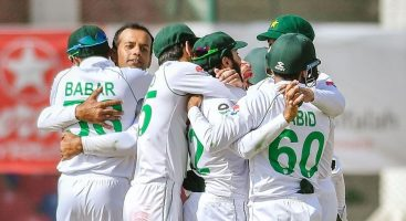 Pakistan retain 17-player squad for second SA Test