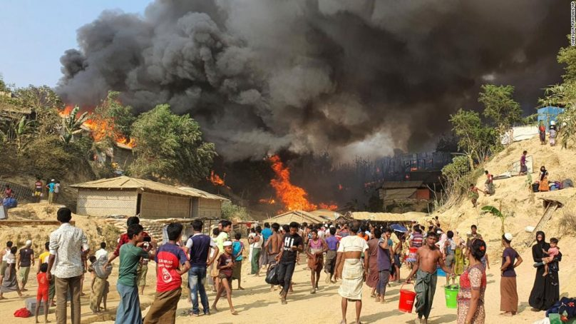 Rohingya Camp in Bangladesh ablaze with the raging fire