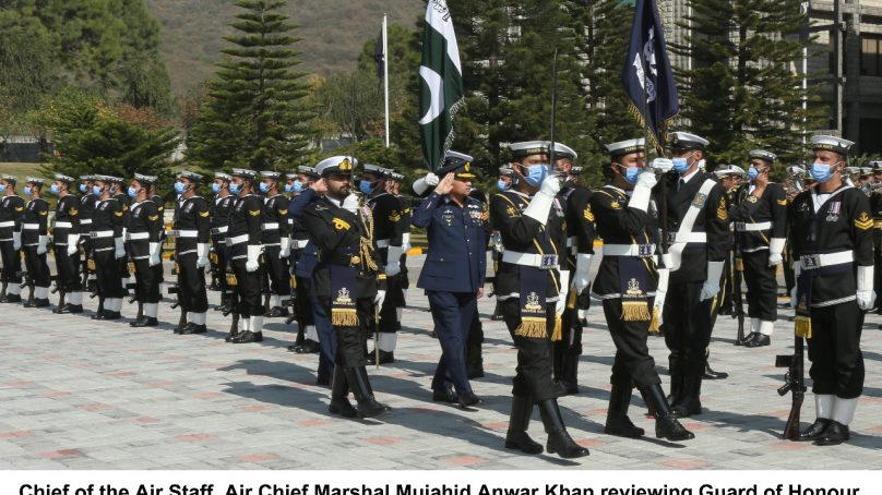 Chief of Air Staff pays farewell call on Naval Chief