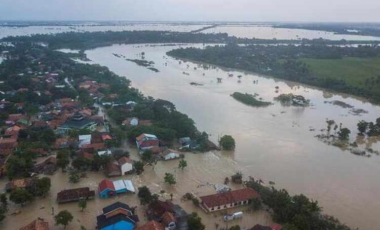 Flash flood in Indonesia kills more than 50