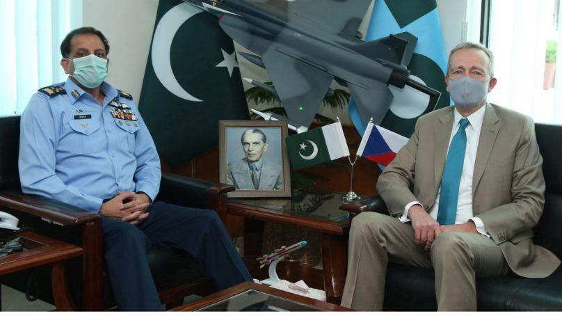 Turkish Ambassador H.E. Ihsan Mustafa Yurdakul calls on Air Chief Marshal