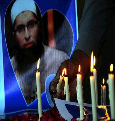 پی کے-661میں جاں بحق ہونے والوں کے لئے شمعیں روشن