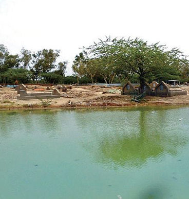 کراچی: سیوریج کا پانی قبرستان میں داخل