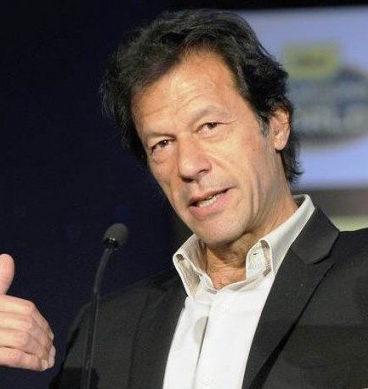 نواز شریف نمازی ہیں جبکہ عمران خان چور