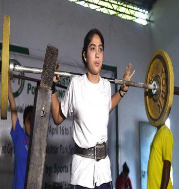 خواتین کا وزن اٹھانے کا مقابلہ
