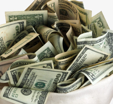 ڈالر کی اونچی اڑان : انٹربینک میں ڈالر مزید مہنگا ہوگیا