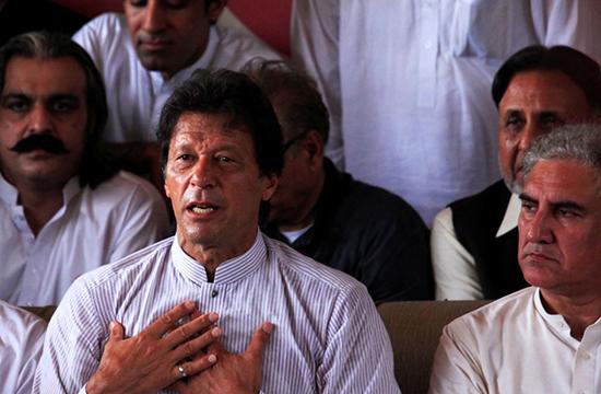 تحریک انصاف نے نگران وزیر اعظم کے لیے تین نام پیش کر دیئے