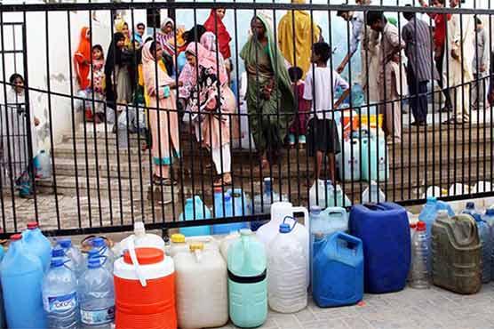 کیا ہو رہا ہے کراچی میں ؟ کہاں گیا پانی ؟ شدید بحران پر واٹر کمیشن برہم