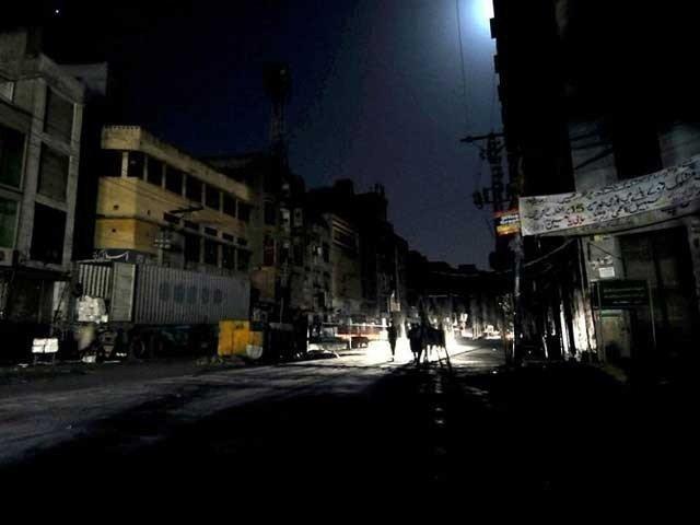 کے الیکٹرک پھر ناکام، مختلف علاقوں میں 48 گھنٹے سے بجلی بند