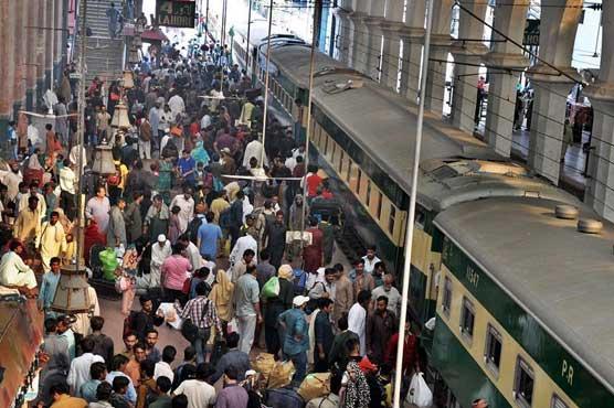 ریلوے کرایوں میں 2 سے ساڑھے 8 فیصد اضافہ