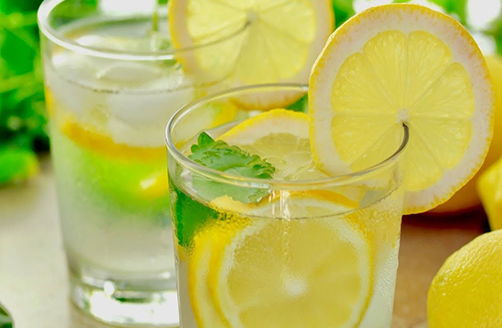 لیموں پانی، جادو ہے اس میں۔ ۔ ۔