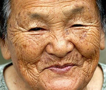 سب سے زیادہ بوڑھے افراد کا ملک، جاپان میں سو سال کے 69 ہزار 785 افراد۔