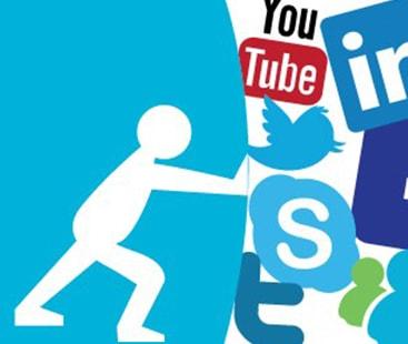 'اسکرول فری ستمبر' سوشل میڈیا کو خیرباد کہ کر خوش رہا جاسکتا ہے، ماہرین کا مشورہ