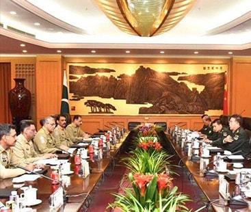 آرمی چیف کی چینی ہم منصب سے ملاقات، سی پیک اور خطے کی سیکیورٹی پر بات چیت