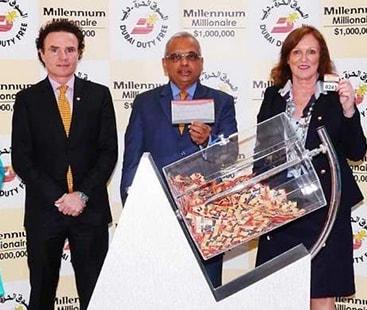 خوش قسمت تاجر:پاکستانی تاجر نے دبئی میں 10 لاکھ ڈالر کی لاٹری جیت لی