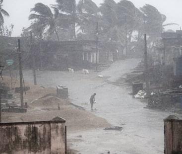 طوفان ''تتلی'' سے 8 افراد ہلاک، بھارت آندھرا پردیش