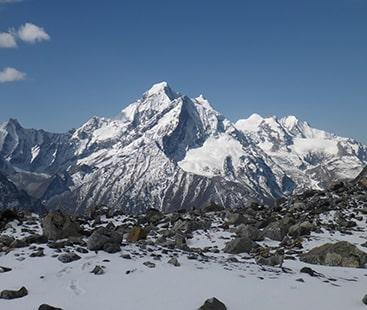 نیپال میں ماؤنٹ گُرجا برفانی طوفان کی زد میں آکر 9 کوہ پیما ہلاک