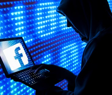 اکائونٹ محفوظ نہیں، فیس بک کے کروڑوں صارفین سائبر حملے کی زد میں