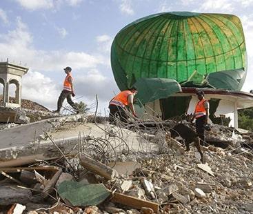زلزلے اور سونامی سے ہلاکتوں کی تعداد 1200 سے تجاوز کر گئیں