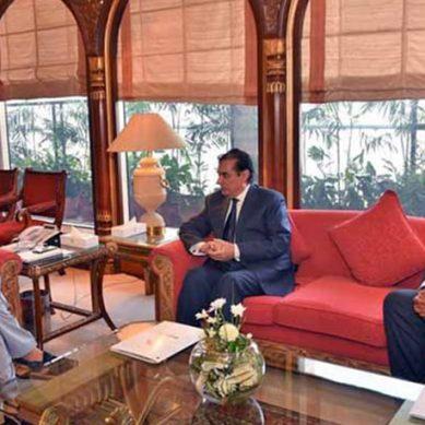 وزیراعظم عمران خان سے چیئرمین نیب کی ملاقات، ہائی پروفائل کیسز پر بریفنگ