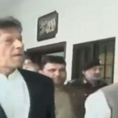 وزیراعظم عمران خان نے پشاور میں شیلٹر ہوم کا افتتاح کردیا