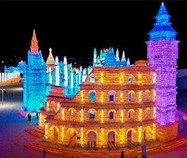 برف سے بنے شاہکار، رنگوں اور روشنیوں سے سجا آئس فیسٹیول