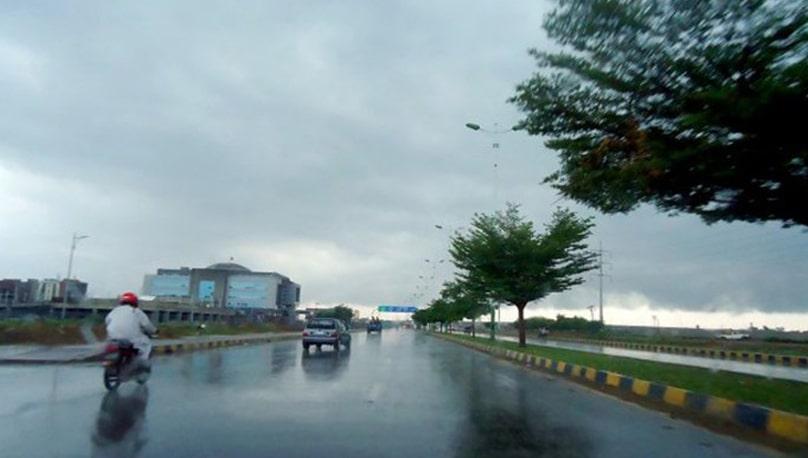 مختلف شہروں میں بارش کے بعد سردی کی شدت میں اضافہ